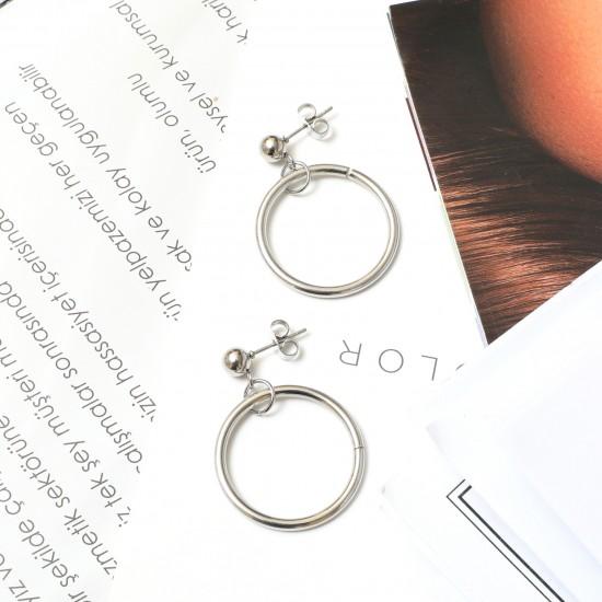 Earring Piercing 7482